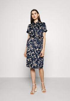 Vero Moda VMHAILEY DRESS - Vestido camisero - navy blazer/azul marino - Zalando.es India Ink, High Neck Dress, Dresses For Work, Blazer, Navy, Fashion, Shirtdress, Navy Blue, Turtleneck Dress