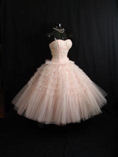Vintage 1950 je 50s Bombshell ramínek Pink Tiered vrstvená sukně Circle Party Prom Svatební šaty šaty Formální