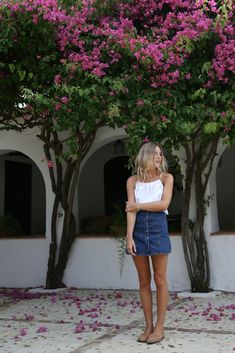 What a cute summer look! Need a skirt like that for summer. Found this similar one: http://asos.do/rByD4Q