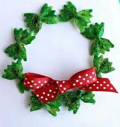 Pasta bow tie Christmas craft