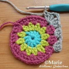Making your first sun burst granny square corner
