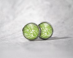 Boucles d'oreilles cabochon 10 mm / Motifs feuille verte | Etsy Cabochons, Motifs, Etsy, Accessories, Art, Ears, Boucle D'oreille, Locs, Color