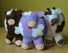 Farm cow Hand stiched toys Pure wool felt Ecofriendly by euquefiz, €10.00