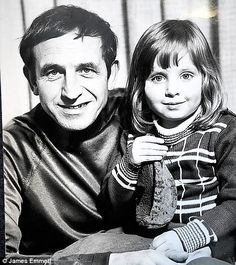 English actor Leonard Rossiter and daughter Camilla in the I Have A Crush, Having A Crush, Leonard Rossiter, Tv Funny, Why People, Hair Pictures, Bikini Bodies, Hot Bikini, My Father