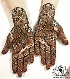 My Michigan bride, Nitasha asked for me to recreate one of my previous designs on her palms. The netted rose pattern was something I was inspired to create when I saw a design created! (her work is a so inspiring for me). Full Mehndi Designs, Indian Henna Designs, Mehndi Desing, Mehndi Designs For Girls, Wedding Mehndi Designs, Mehndi Design Pictures, Beautiful Henna Designs, Heena Design, Mehndi Images