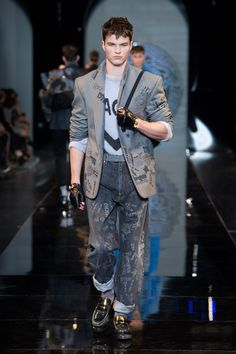 baggy pants, and interesting pictures on the clothes, but the combination itself is great.