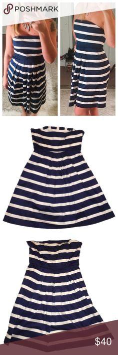 "Navy blue striped gap dress NWOT NWOT gap strapless dress , size 4. Chest: 15"" , Length: 29"", waist: 13.5"". No flaws. Has pockets but still sewn shut. GAP Dresses Strapless"