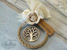 Μπομπονιέρα γάμου στεφανάκι δέντρο ζωής από ξύλο, annassecret, Χειροποιητες μπομπονιερες γαμου, Χειροποιητες μπομπονιερες βαπτισης Wedding Memorial, Wedding Day, Ribbon Embroidery, Bridal, Party, Handmade, Crafts, Napkin Rings, Design