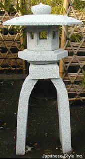 Asian lanterns, Japanese stone lanterns, granite lanterns, garden lanterns
