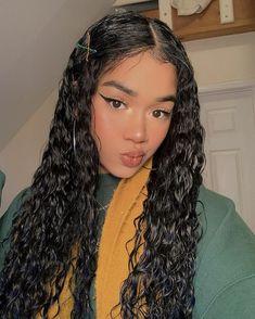 Cute Curly Hairstyles, Baddie Hairstyles, Weave Hairstyles, Girl Hairstyles, Curly Hair Styles, Natural Hair Styles, Hair Inspo, Hair Inspiration, Make Up Looks