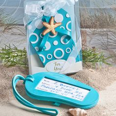 Flip flop luggage tag favors - www.dochsa.com #wedding #favors