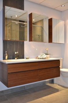 Salle de bain on pinterest armoires tubs and showers for Vanite salle de bain ikea