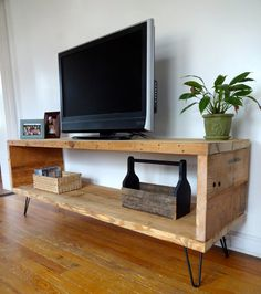 Reclaimed Wood Media Unit TV