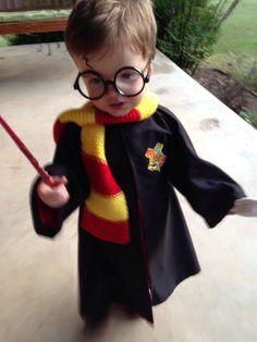 DIY Harry Potter toddler costume. Gryffindor. Hogwarts. Toddler boy costume #harrypotter