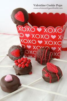 Valentine (no bake) Cookie Pops are SO easy and adorable for Valentines!  The kids will love helping you make them too! @whatscookingwithruthie.com #valentines #cookie_pops