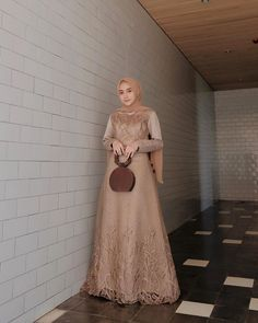 Inspirasi outfit kondangan – N&D Hijab Prom Dress, Dress Brukat, Hijab Evening Dress, Batik Dress, Dress Outfits, Fashion Dresses, Bridesmaid Dress, Dress Muslim Modern, Kebaya Modern Dress