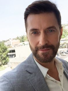 @RCArmitage : @epixpress @EpixHD @BerlinStation Epix have a great big surprise for those hoping to see 'Berlin Station' in Oct. [30 July 2016]