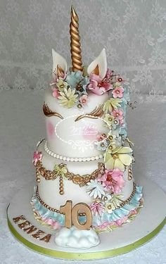 Unicorn cake - cake by Fées Maison (AHMADI) - CakesDecor - Birthday Cake Vanilla Ideen Unicorn Birthday Parties, Unicorn Party, Cake Birthday, Happy Birthday Cakes, Beautiful Cakes, Amazing Cakes, Bolo Tumblr, Cake Cookies, Cupcake Cakes