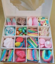 A beautiful unicorn🦄🦄 rainbow sweet gift box 🌈🌈🌈, contains 16 compartments of unicorn & rainbow themed sweets (sweets may vary slightly). Tied with ribbon & a unicorn horn lollipop included (colour may vary). A beautiful white box ☄☄☄, measuring x Chocolate Gift Boxes, Chocolate Sweets, Candy Gift Box, Candy Gifts, Candy Boxes, Box Of Candy, Diy Birthday, Birthday Gifts, Beautiful Unicorn