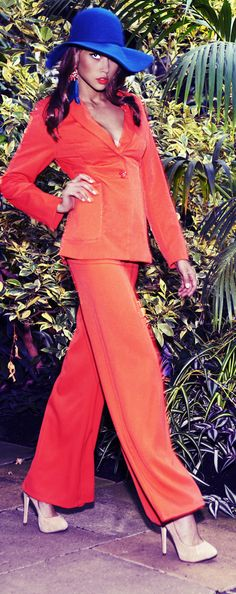 70s retro pantsuits - sevilla prshots - at http://boomerinas.com/2013/04/70s-fashion-trend-for-women-flared-legs-disco-and-platforms/