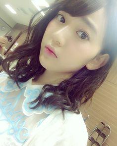 ahhsakura-tan so Kawaii (Last pic of the day)See u tomorrow everyone Oyasumi (O) Ezekiel  #akb48 #hkt48 #kawaii #cute #pretty #lovely #beautiful #cutegirl #prettygirl #instalike #instafresh #likes #like4like #likeforlike #follow #followme #follow4follow #followforfollow #sakuramiyawaki #宮脇咲良 #miyawakisakura #sakuratan #japanese #idol #idolgroup #celebrity #jpop #48group #oyasumi by sakura_hkt48club