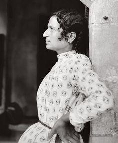 Samaritan woman of Nablus.  Nablus, Palestine. 1900-1920