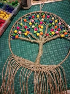 How to make a dream catcher and how to stretch threads – boho a thread with … - Diy And Crafts idea Crafts To Make, Arts And Crafts, Diy Crafts, Dream Catcher Tutorial, Craft Projects, Projects To Try, Crochet Dreamcatcher, Macrame Patterns, String Art