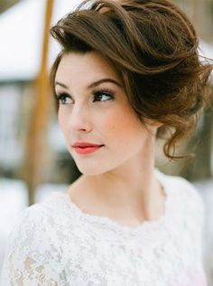 wanna give your hair a new look ? Short Wedding Hairstyles is a good choice for you. Here you will find some super sexy Short Wedding Hairstyles, Find the best one for you, Short Wedding Hair, Wedding Hair And Makeup, Bridal Makeup, Bridal Hair, Hair Makeup, Wedding Lipstick, Wedding Updo, Short Bride, Soft Makeup