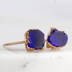 blauer Chalcedon Ohrstecker / blau Chalcedon Ohrringe / Ohrstecker Lapis / Ohrringe Lapis / Kobaltblau Bolzen / blau Stein Ohrringe / raw blauer Stein