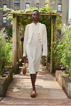 Modest Outfits, New Outfits, Chic Outfits, Vogue Paris, White Pantsuit, Michael Kors Fashion, Michael Kors Collection, Vogue Australia, Models