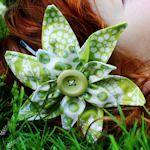 30 different fabric flower tutorials / wreath accessories!