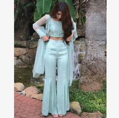 Haute spot for Indian Outfits. Indian Fashion Dresses, Indian Gowns Dresses, Dress Indian Style, Indian Fashion Trends, Sharara Designs, Kurti Designs Party Wear, Patiala Suit Designs, Indian Wedding Outfits, Pakistani Outfits