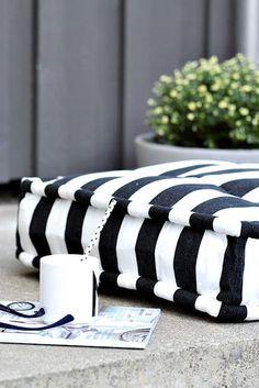 Black and White Deck Design Terrace Design, Deck Design, Outdoor Cushions, Floor Cushions, White Patio Furniture, Outdoor Furniture, Balcony Furniture, Outdoor Decor, Black White Stripes