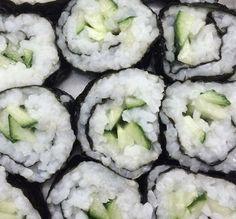 Cute Food, Good Food, Yummy Food, Comida Picnic, Sushi, The Garden Of Words, Def Not, Green Theme, Aesthetic Food