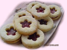 Mansikkaiset pikkuleivät Finnish Recipes, Doughnut, Cookies, Baking, Desserts, Food, Crack Crackers, Tailgate Desserts, Deserts