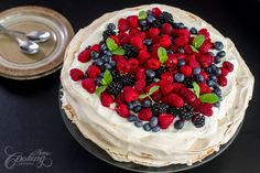 Watch the video for this recipe: Berry Pavlova is an irresistible dessert, one of the best desserts you can make during the summer. The meringues are . Best Summer Desserts, Great Desserts, Cookie Desserts, Dessert Recipes, Meringue Topping Recipe, Sweet Whipped Cream, Chocolate Pavlova, Baked Strawberries, The Fresh