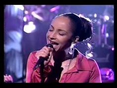 """Sade Performs """"By Your Side"""" Live"""
