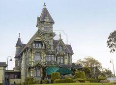ARCATA, CALIFORNIA - MAY 9th; beautiful green mansion, Victorian sytle, Arcata,California, 9 May 2006 Stock Photo