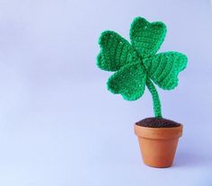 Four-leaf crocheted clover