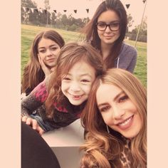 I just voted for Sofia Vergara for Top Social TV Star in InStyle's Social Media Awards Haley Modern Family, Modern Family Funny, Modern Family Quotes, Social Media Awards, Social Tv, Sofia Vergara, Morden Family, Emmy Nominees, American Modern