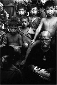 "Photo: Mary Ellen Mark - Marlon Brando on set of the movie ""Apocalypse Now"",1976"
