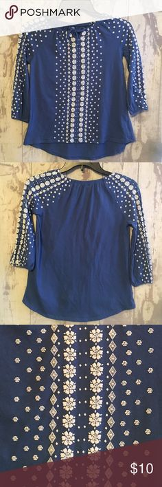 Girls Old Navy Peasant Top Very cute and in great condition. Girls peasant top from Old Navy. 3/4 sleeves with elastic trim. Size Large (10/12). Old Navy Shirts & Tops