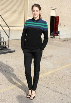 masculine vs. feminine.  I just love these tailored trousers and those heels!  And I love her casualness with her hands in her pockets. Shailene Woodley In Jason Wu.  TPM