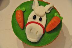 Het paardje van Sinterklaas Cupcake door Juffrouwtut.