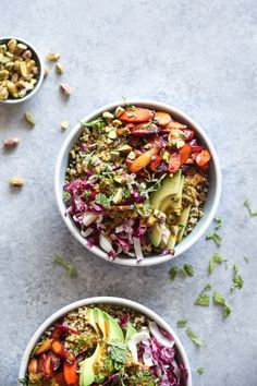 This Moroccan quinoa bowl recipe is quick, easy, and packed with healthy veggies: sweet and spicy carrots, avocado, radicchio and a harissa mint sauce.