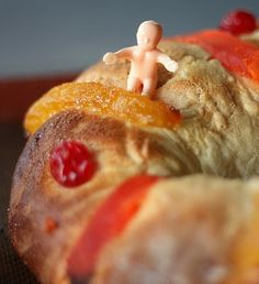 January 6, Rosca de Reyes Bread. Pinned from Mangio da Sola. This Latin Epiphany tradition is explained, besides the recipe.