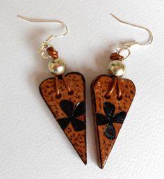 Wooden hearts woodburning earrings by HandmadebyARGYRO on Etsy, €15.00