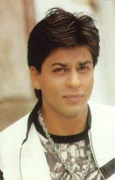 Srk Movies, Foreign Movies, King Of Hearts, Beautiful Wife, Bollywood Stars, Shahrukh Khan, Favorite Person, Indian Actresses, Sexy Men