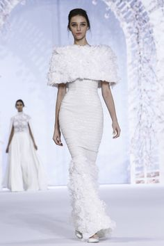 Ralph & Russo Couture Spring Summer 2016 Paris...OMG gorgeous!!!! Once again a simple silhouette with 'gorgeous fabrics'.Don't be afraid to try different fabric textures for that unique bridal look.