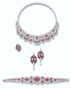 Christie's auction - jewels from a a Royal House - Harry Winston Diamond & Ruby Set Red Jewelry, Diamond Jewelry, Vintage Jewelry, Fine Jewelry, Fashion Jewelry, Jewelry Accessories, Harry Winston, Ruby Earrings, Diamond Earrings